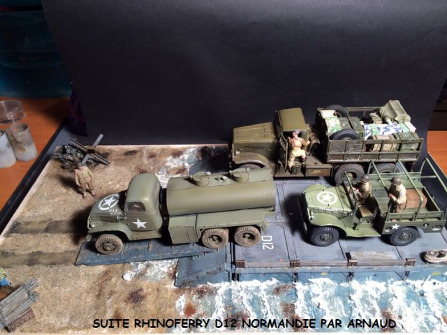Rhinoferry D12 plage du débarquement Normandie (Hobby Boss, AFV, Italeri, 1/35) 556809rhinoferry013