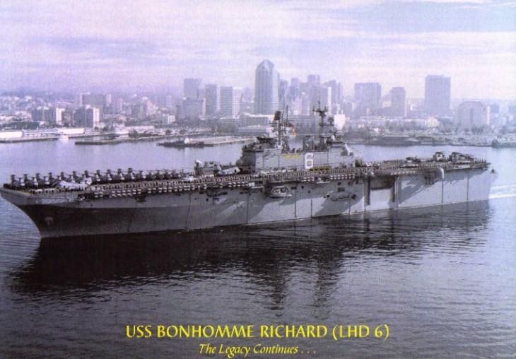 BÂTIMENTS DE PROJECTION ET DE COMMANDEMENT CLASSE MISTRAL 558843USS_Bonhomme_Richard