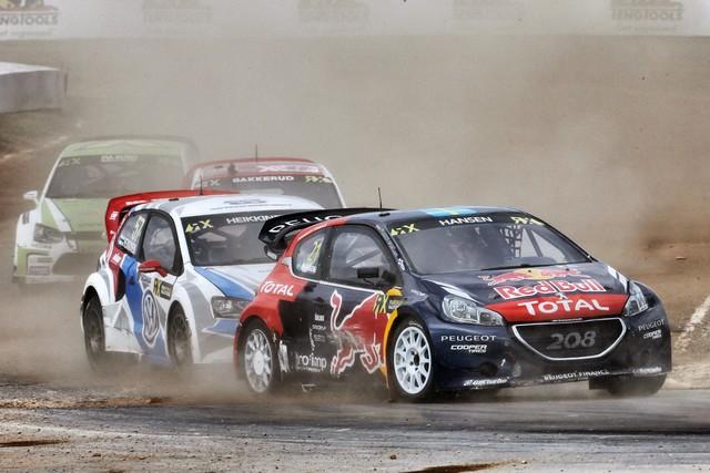 Le Team Peugeot Hansen creuse l'écart à Barcelone 55928655fecb13de415