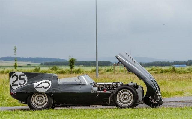 Les Jaguar XF, F-Pace et F-Type célèbrent les 60 ans de la victoire de la Type D aux 12 Heures de Reims Lors De La 22ème Edition De Sport Et Collection 561078IMG1991LowRes