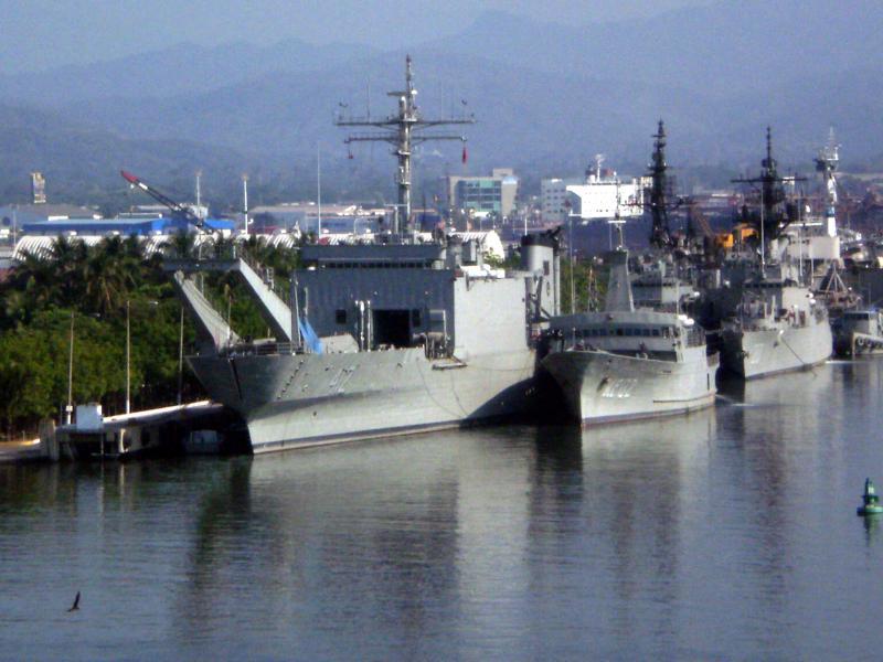 LANDING SHIP TANK (LST) CLASSE NEWPORT  562427ARMUsumacintaA412