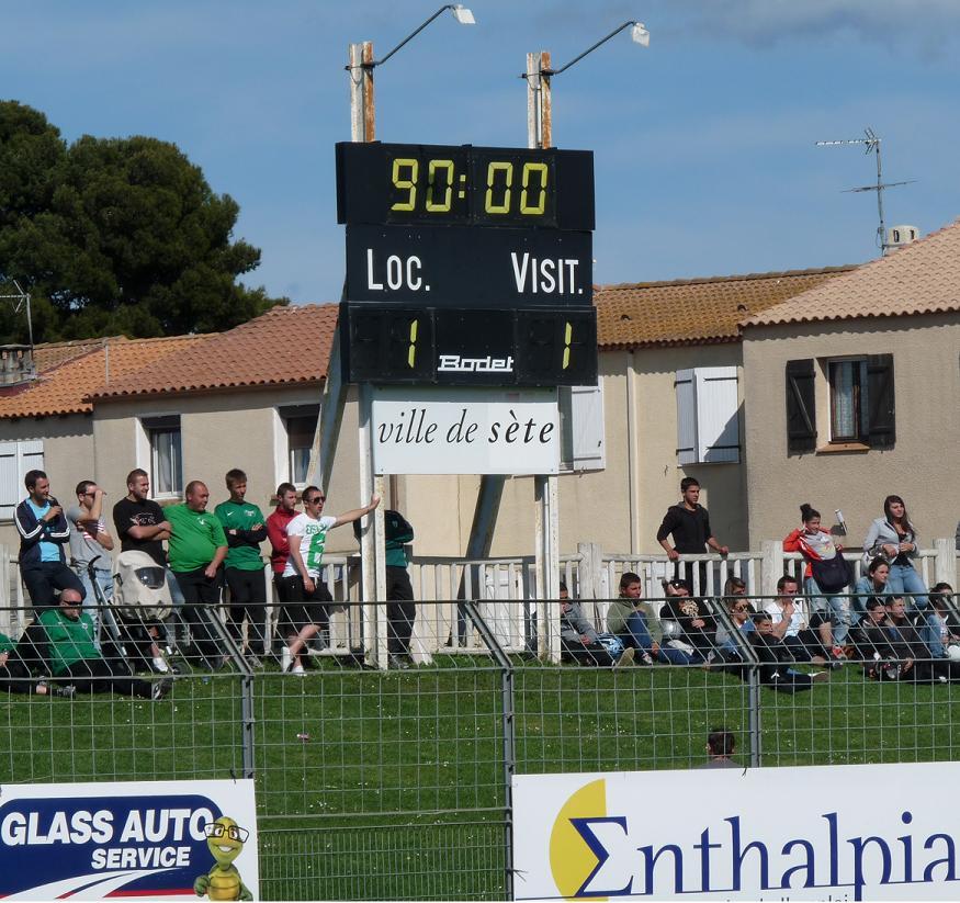 CETTE ( SETE ) ILE SINGULIERE REVIENT EN ( CHAMPIONNAT  DE)  FRANCE DE FOOTBALL AMATEUR  CFA 2 !!!!!!! - Page 4 563262Photo118