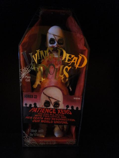Mes poupées : Living Dead Dolls et créations 565617DSC01673