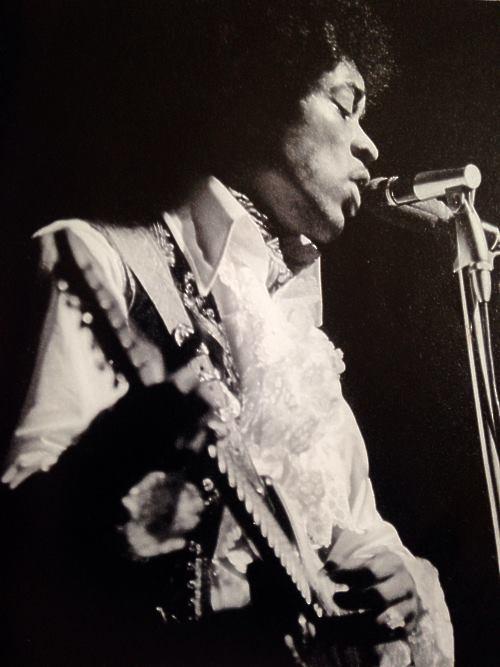 Londres (Saville Theatre) : 7 mai 1967 [Second concert] 572807Saville574n