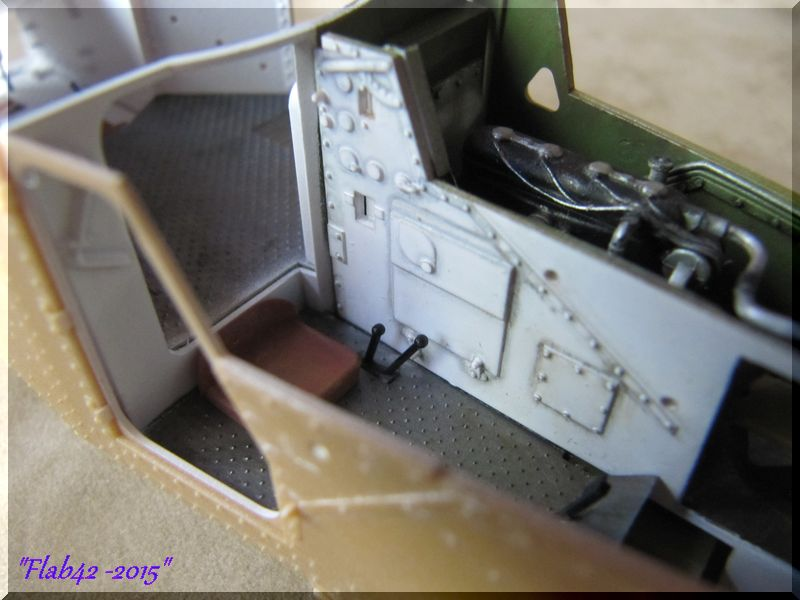 Panhard 178 AMD-35 - ICM - 1/35ème - Page 4 575580patinemoteur2