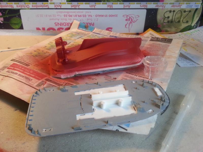FAIRPLAY Harbour Tug Boat de Revell au 1:144  577733lolo041