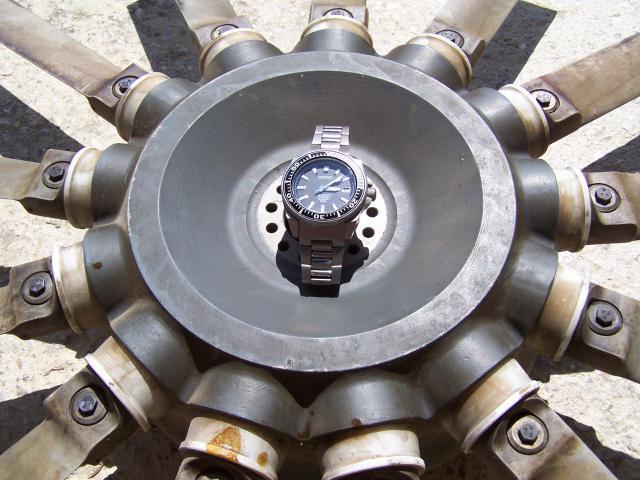 FEUX de vos montres en titane! 582093028