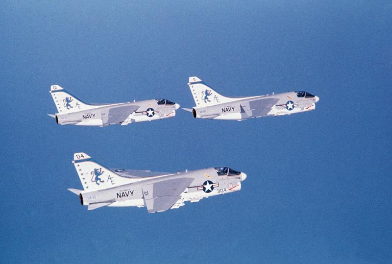 LTV A-7 Corsair II [NOUVELLE VERSION] 582965LTVA7ECorsairII70