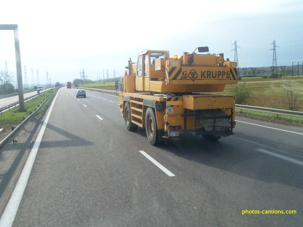 Camions grues et grues automotrices - Page 3 5857601009745Copier