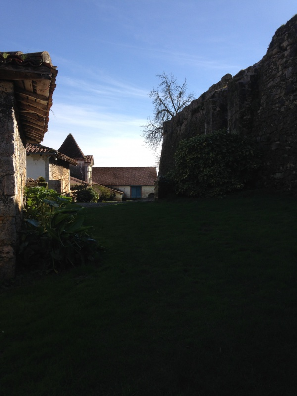 (40) Plantarium et chemin de ronde - Gaujacq 585812IMG0450