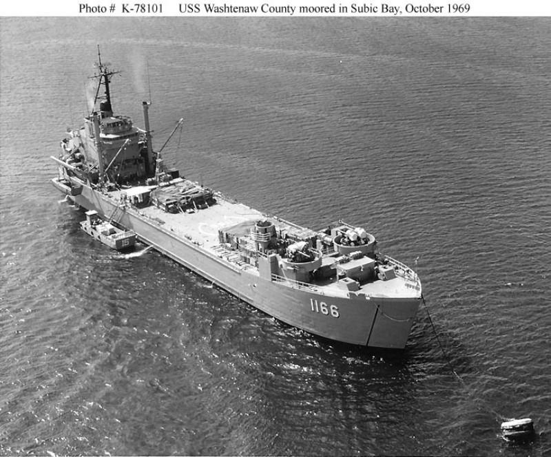 LANDING SHIP TANK (LST) CLASSE NEWPORT  586855USSWashtenawCountyLST1166