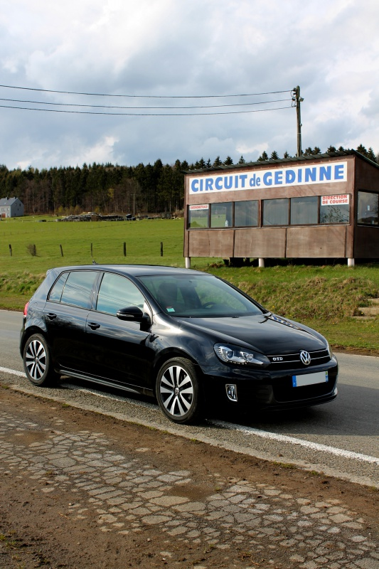 Golf 6 Gtd black - 2011 - 220 hp - Attente Neuspeed - question personnalisation insigne - Page 6 588134IMG1490bisd