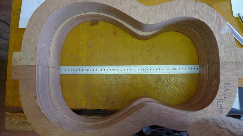 Les guitares d'un luthier aussi amateur que passionné ... - Page 26 588880P1010812small