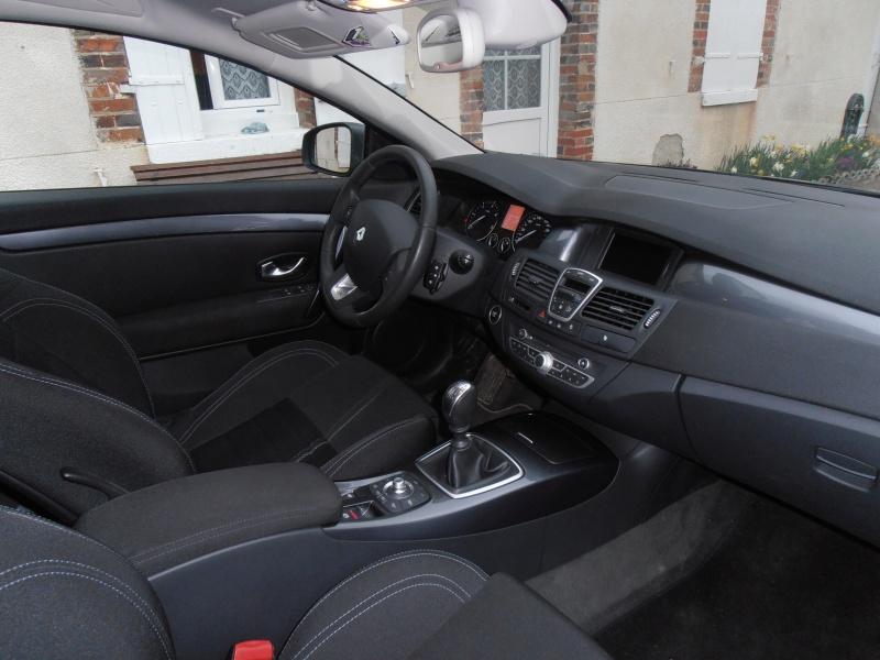 [djé 77] Laguna III coupé 2L dCi 150ch Black Edition 593257P4040043