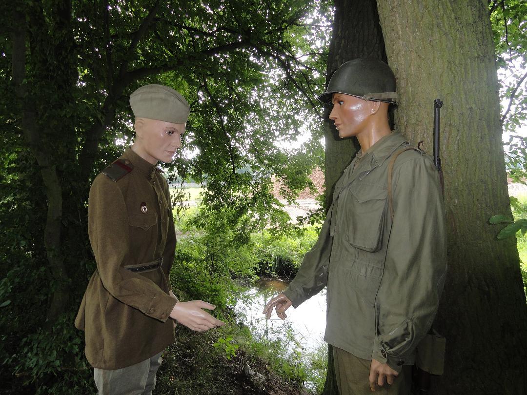 Armée rouge - Breslau et Torgau 1945 - tenue de combat 596349Torgau2