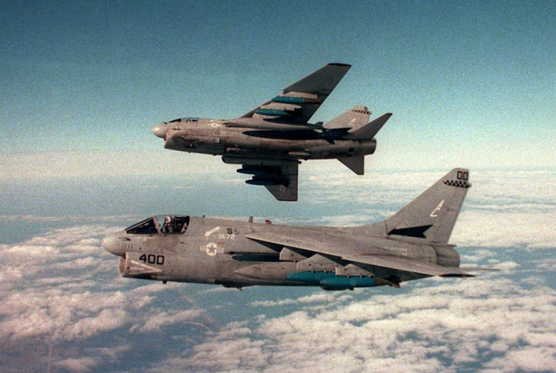 LTV A-7 Corsair II [NOUVELLE VERSION] 604464LTVA7ECorsairII117
