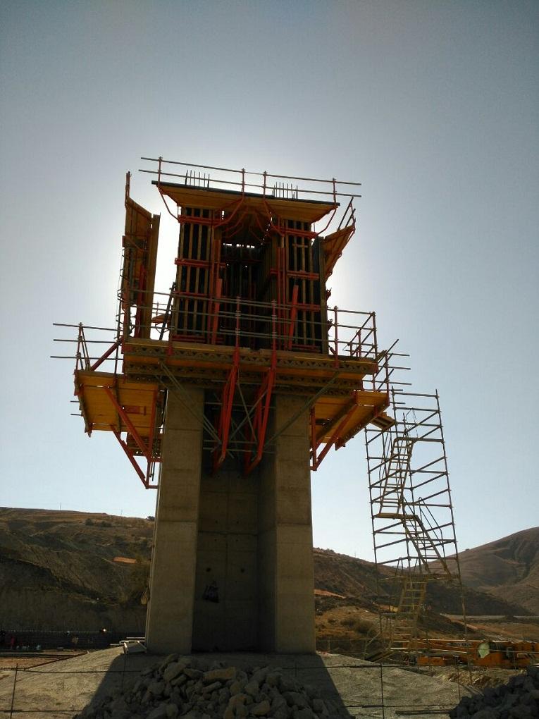 مشاريع المنشأت القاعدية بالجزائر 604699971