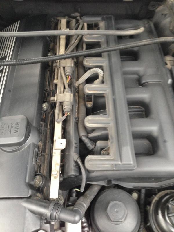 [Moteur M52TU/M54] Changement soupape de ventilation d'huile 606980IMG5156