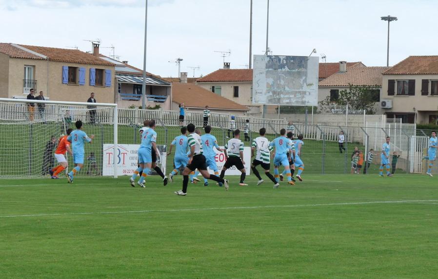 CETTE ( SETE ) ILE SINGULIERE REVIENT EN ( CHAMPIONNAT  DE)  FRANCE DE FOOTBALL AMATEUR  CFA 2 !!!!!!! - Page 3 610026Photo087