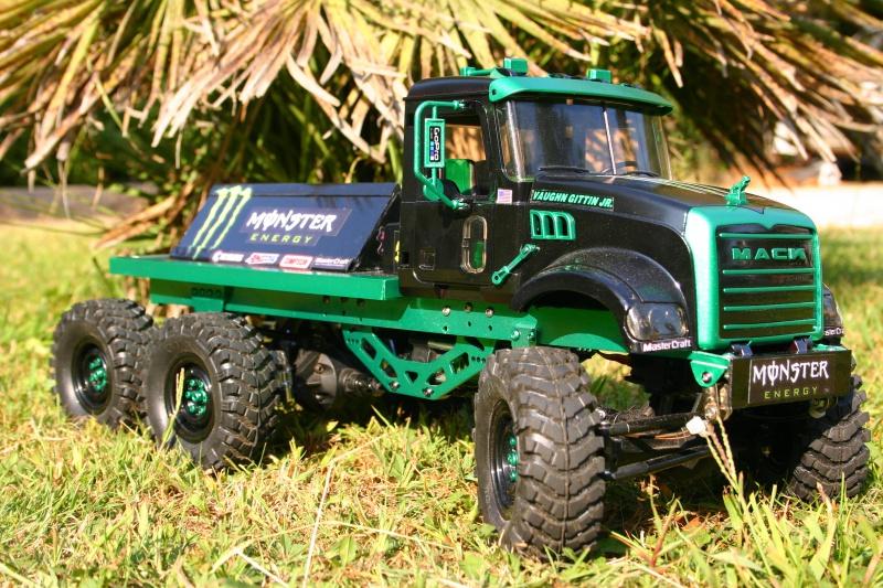 Mack 6x4 Monster Energy (FINI en attente d'un arceau) 610669IMG8103
