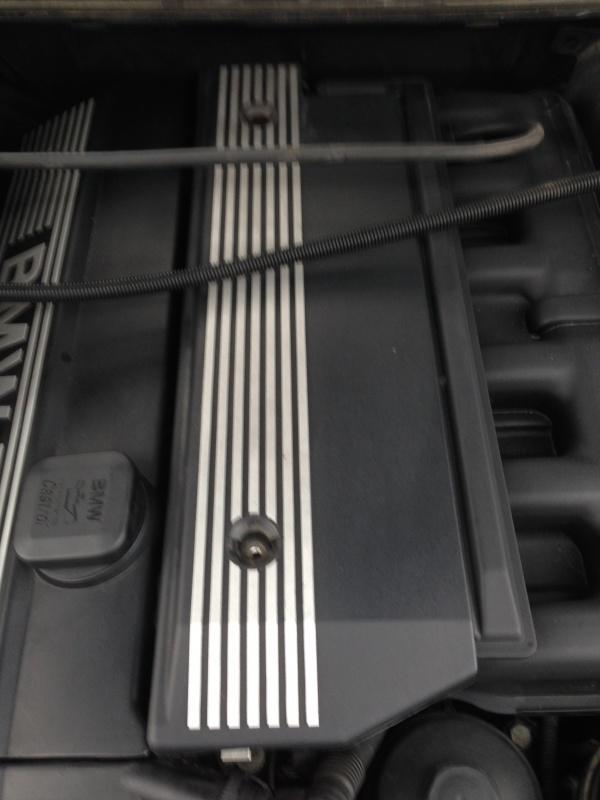 [Moteur M52TU/M54] Changement soupape de ventilation d'huile 610893IMG5155