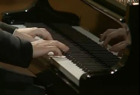 Le QUIZZ des PIANOPHILES à coucher dehors... - Page 6 616240352