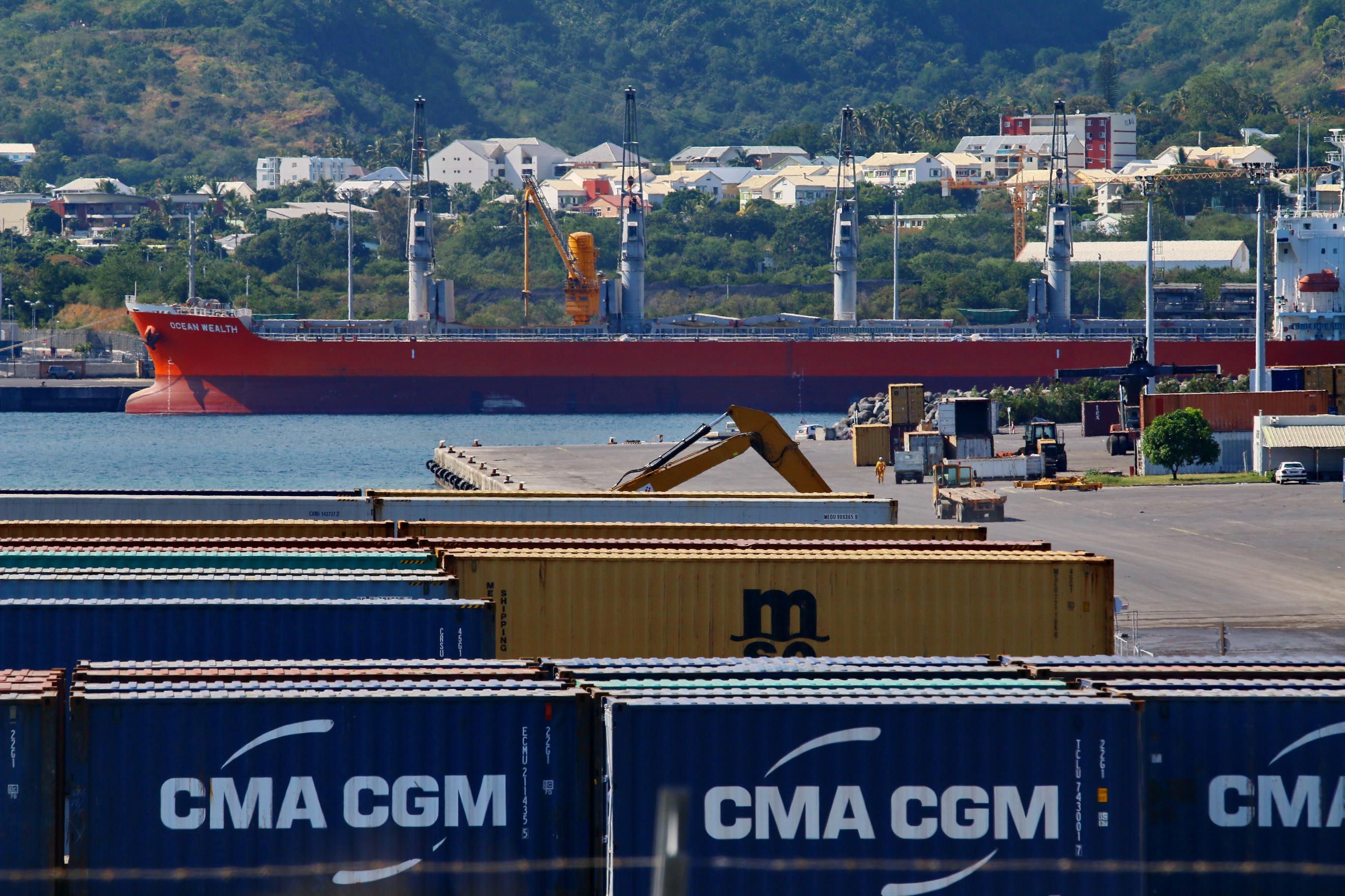 [Vie des ports] Les ports de la Réunion - Page 9 619289portest059