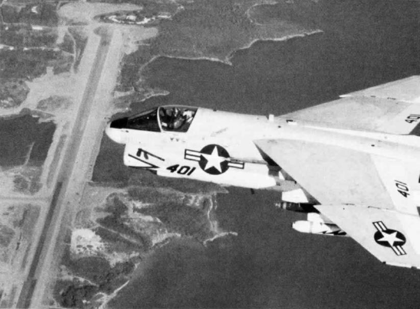 LTV A-7 Corsair II [NOUVELLE VERSION] 619705LTVA7ECorsairII54