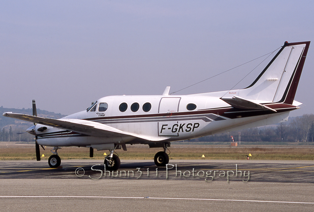 Spotting Aviation - Portail 620337BeechC90PrivateFGKSPAvignon0204EPajaud