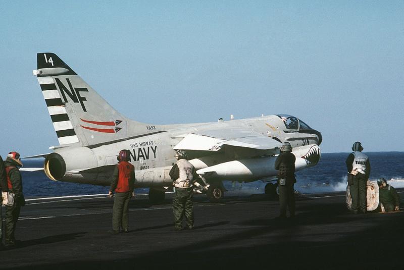 LTV A-7 Corsair II [NOUVELLE VERSION] 621397LTVA7ECorsairII106