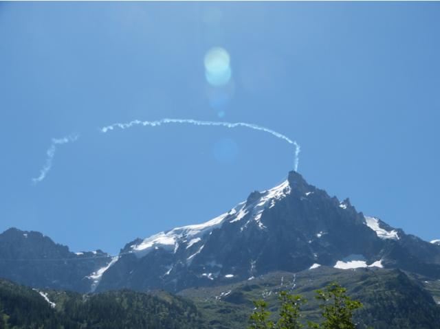 2012: le 01/08 à 12h06 - Chamonix : Photo d'un OVNI furtif ? (74)  - Page 4 633418Verveine9