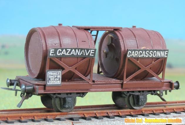 Wagons à 2 ess maquette citernes, foudres 636939VBBifoudreCazanavepresspahnchocolatIMG3555R