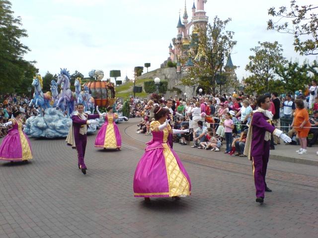 Les costumes des Cast members 638177dsc00258yk0