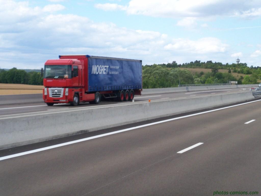 Transports Niogret (Bellignat, 01) 639530photoscamions06IIV1143Copier