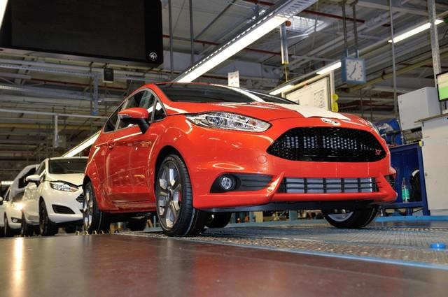 Ford Europe augmente la production des Fiesta, Focus, C-MAX et Grand C-MAX pour répondre à la demande 639714FiestaSTProductionStart03A