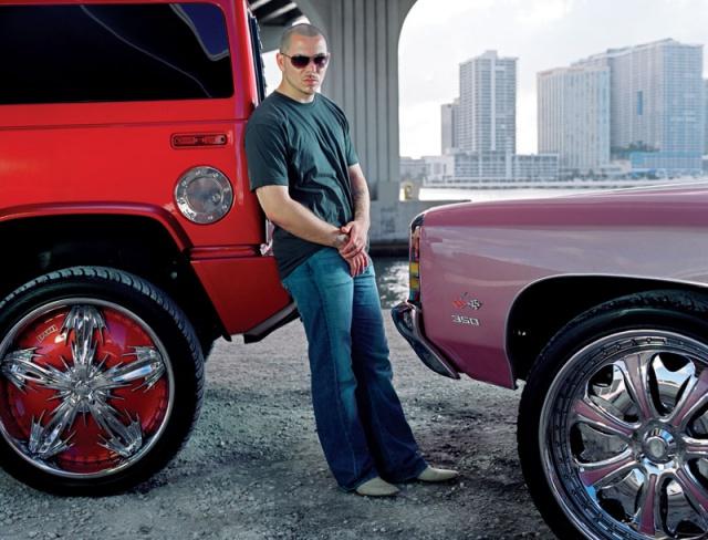 Qu'on me dise pas que le Hummer n'est pas une Luxury Car !!! 642112S0LescaissesdePitbull143921