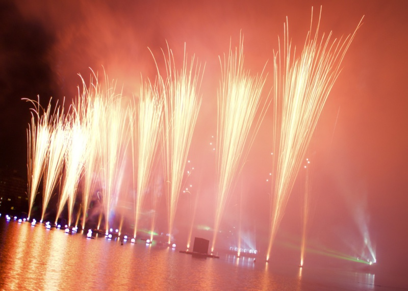 Les Feux Magiques de Disney - Disney's Magical Fireworks & Bonfire (Editions 2008 à 2016) - Page 11 644633thumbIMG56741024