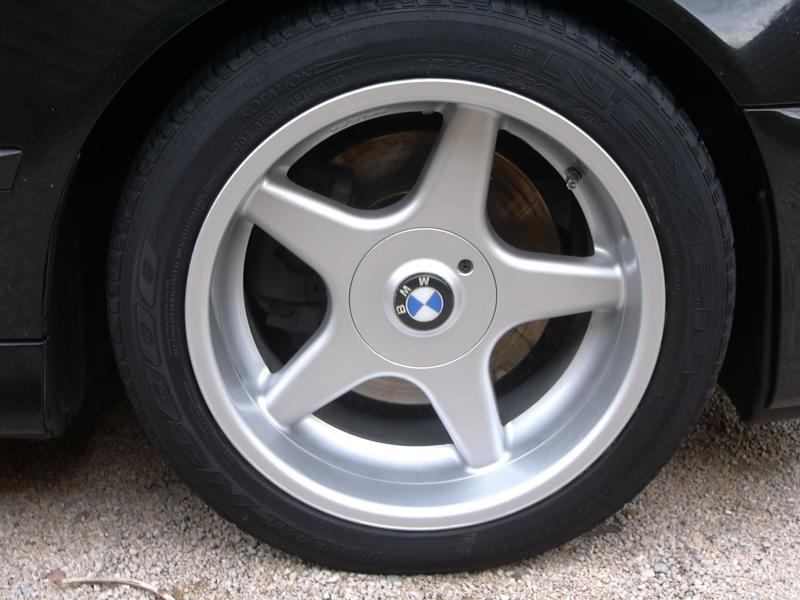 [BMW 530 d E39] Renaissance d'un Cosmos Schwarz Metallic 644976P1000420