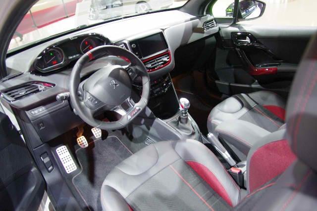 208 GTi => Avril 2013 645573image
