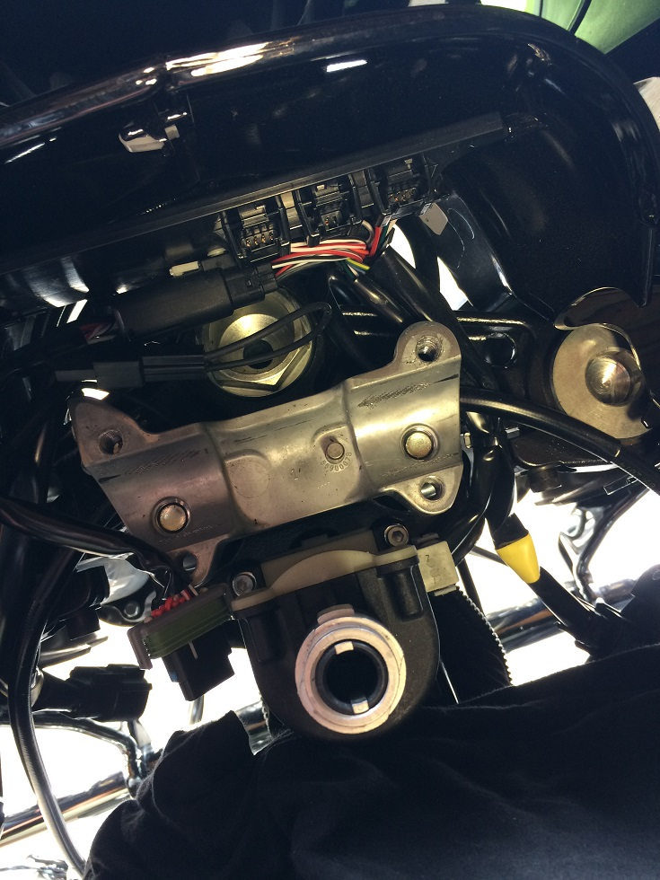 MODIFICATIONS ROAD GLIDE 2015 - Page 7 645900IMG5347