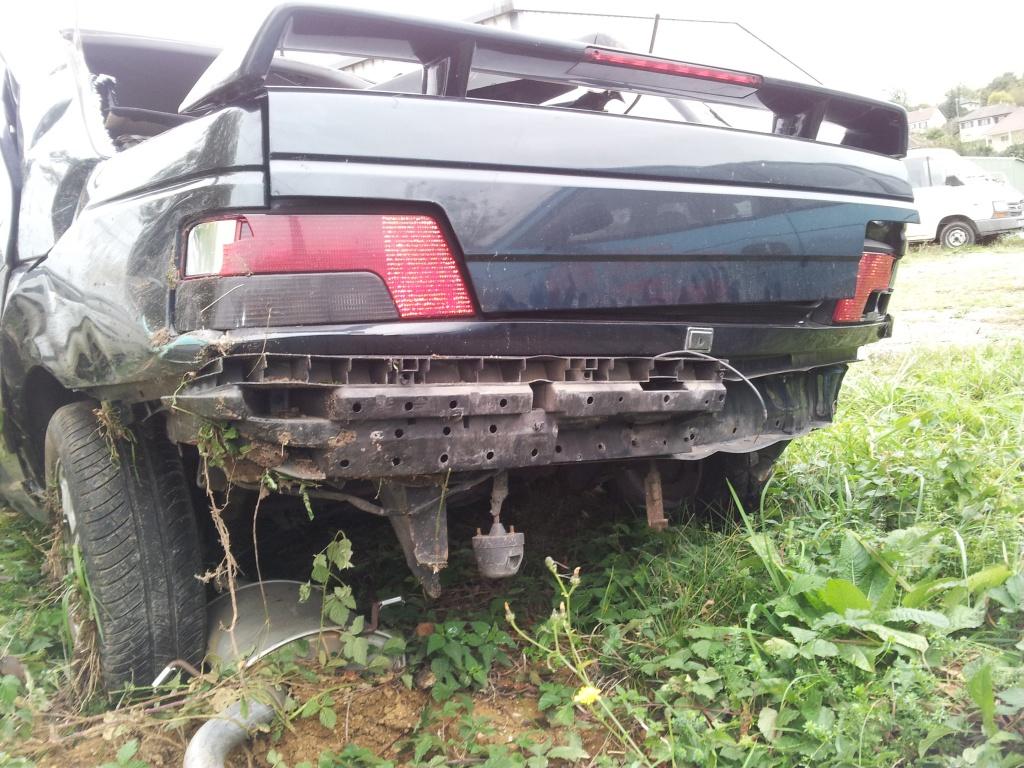 Accident grave avec Peugeot 405 STDT 64891520111012155052