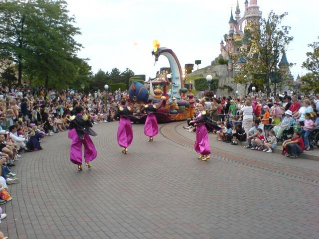 Les costumes des Cast members 648975dsc00274xt2