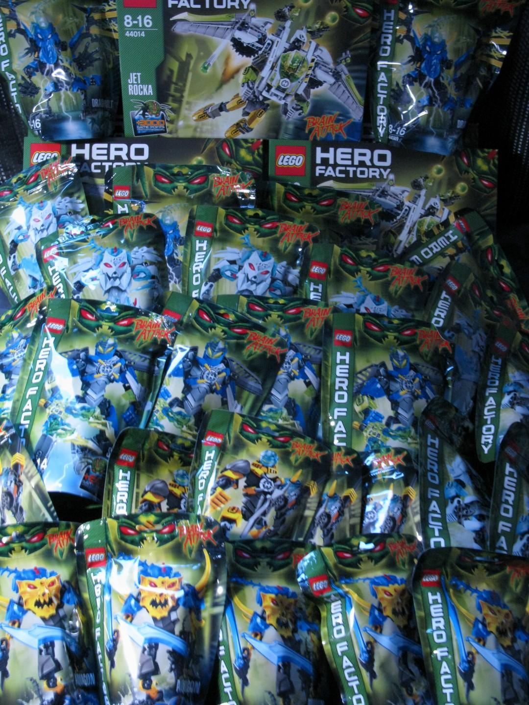 [Association] Hero Factory été 2013 en avant première avec BIONIFIGS 654844IMG2007