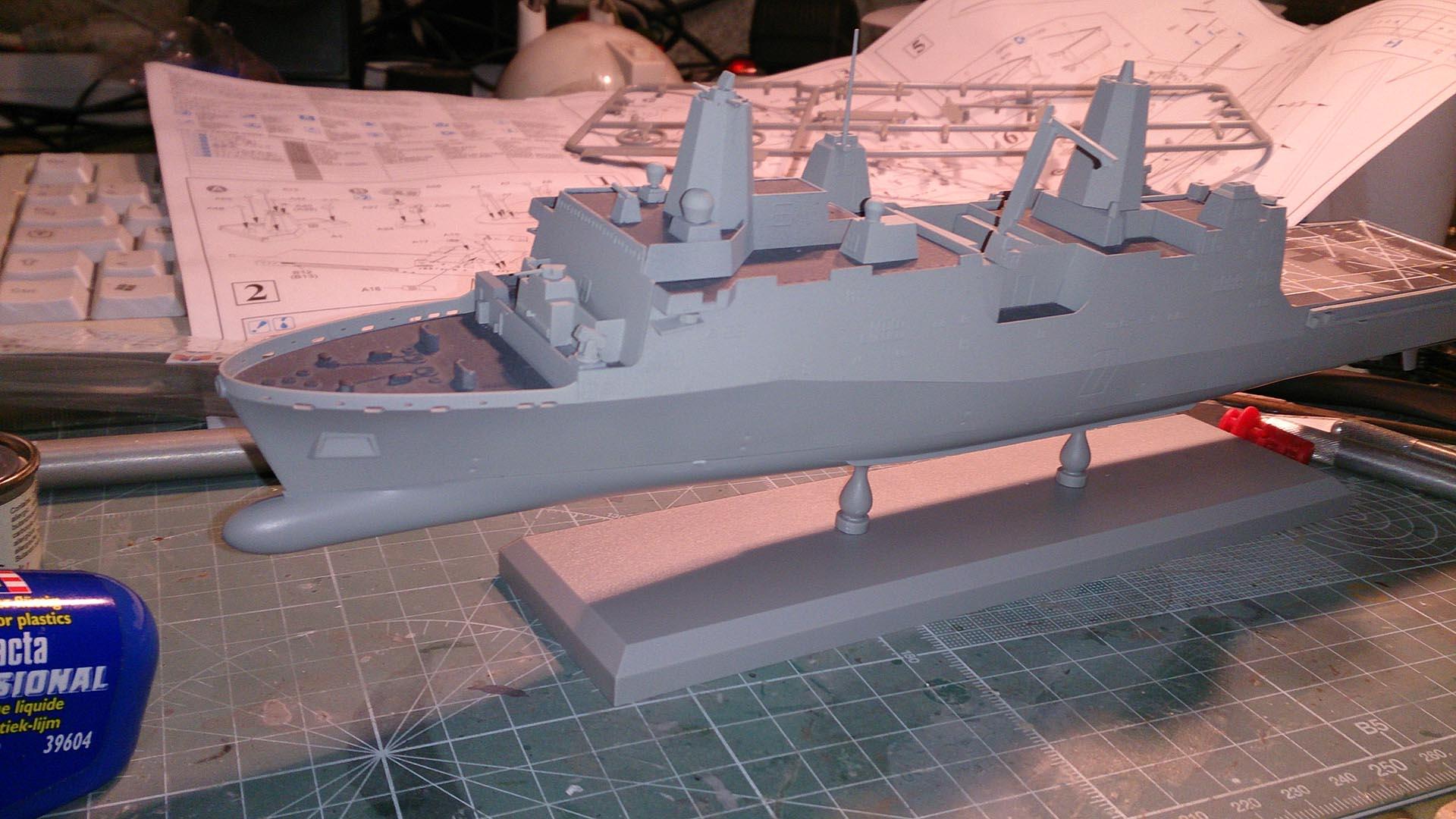 USS NEW-YORK LPD-21 - Page 2 655993NewYork27