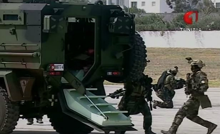 Armée Tunisienne / Tunisian Armed Forces / القوات المسلحة التونسية - Page 4 65925628sf