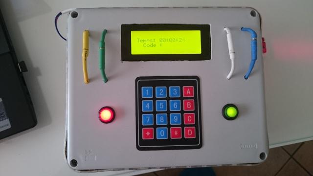 Boitier avec plusieurs mode de jeu 661052DSC0081