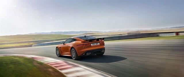 Nouvelle Jaguar F-TYPE SVR : La Supercar Capable D'atteindre 322 km/h Par Tous Les Temps 662637JAGUARFTYPESVR18COUPETrackLowRes