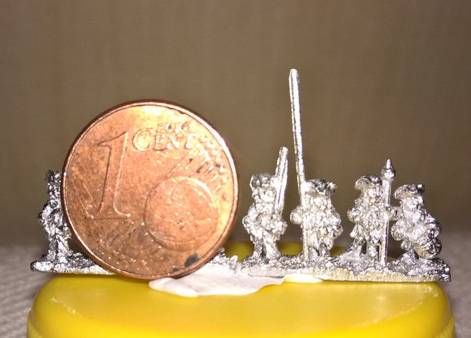 Guerre de succession d'Espagne... en 6 mm . FINI !!!! 664146SuccessiondEspagne6mm1