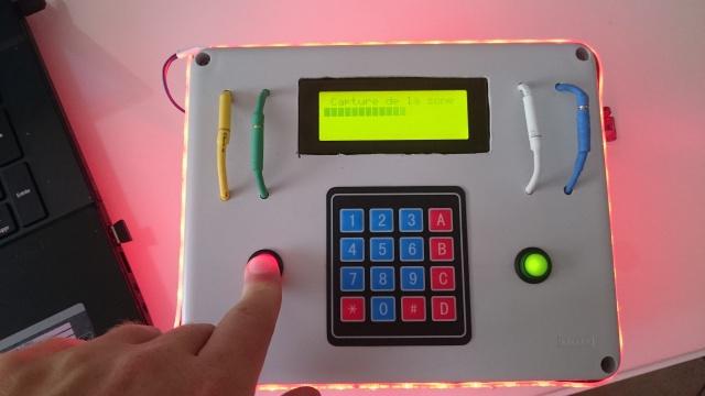 Boitier avec plusieurs mode de jeu 667211DSC0078