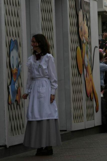 Les costumes des Cast members 668257BabyCareCenter